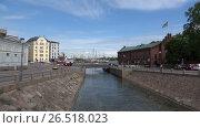 Купить «Вид на Мост Любви на Катаянокском канале. Хельсинки, Финляндия», видеоролик № 26518023, снято 10 июня 2017 г. (c) Виктор Карасев / Фотобанк Лори