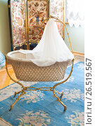 Купить «Vintage cradle in Hermitage museum, St Petersburg», фото № 26519567, снято 30 июня 2011 г. (c) Александр Подшивалов / Фотобанк Лори