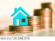 Купить «Cимвол  недвижимости на фоне денег», фото № 26548515, снято 23 марта 2017 г. (c) Сергеев Валерий / Фотобанк Лори