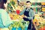 Male seller assisting in buying, фото № 26554019, снято 18 марта 2017 г. (c) Яков Филимонов / Фотобанк Лори