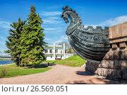 Купить «Тверь. Голова лошади на памятнике Афанасию Никитину.  Horse's head», фото № 26569051, снято 6 мая 2017 г. (c) Baturina Yuliya / Фотобанк Лори