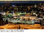 Купить «Сочи, ночной вид сверху на железнодорожный вокзал и городскую застройку в Центральном районе», фото № 26574683, снято 25 августа 2019 г. (c) glokaya_kuzdra / Фотобанк Лори