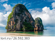 Купить «Beautiful high cliff in the sea at the resort of Thailand», фото № 26592383, снято 6 ноября 2016 г. (c) Константин Лабунский / Фотобанк Лори
