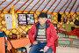 Мужчина-калмык в помещении музея ойрат-монгольской кочевой культуры. Элиста, Калмыкия, фото № 26677867, снято 22 апреля 2017 г. (c) Ирина Борсученко / Фотобанк Лори