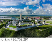 Купить «Aerial view onto Tobolsk Kremlin in summer day», фото № 26702291, снято 15 июля 2016 г. (c) Сергей Буторин / Фотобанк Лори