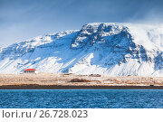 Coastal Icelandic landscape with snowy mountains (2017 год). Стоковое фото, фотограф EugeneSergeev / Фотобанк Лори