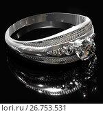 Купить «Silver engagement ring with diamond gem.», иллюстрация № 26753531 (c) Gennadiy Poznyakov / Фотобанк Лори