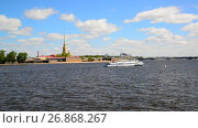 Купить «St. Petersburg, Russia - June 03. 2017. Peter and Paul Fortress and river Neva», видеоролик № 26868267, снято 4 июня 2017 г. (c) Володина Ольга / Фотобанк Лори