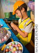 Купить «Boy pretending as a worker during birthday party», фото № 26874043, снято 25 апреля 2017 г. (c) Wavebreak Media / Фотобанк Лори