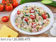 Купить «salad with meat, cucumber, tomato, cheese, omelette», фото № 26888475, снято 19 декабря 2018 г. (c) Oksana Zh / Фотобанк Лори