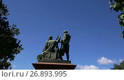 Minin and Pojarsky monument (was erected in 1818), Red Square in Moscow, Russia (2017 год). Стоковое видео, видеограф Владимир Журавлев / Фотобанк Лори