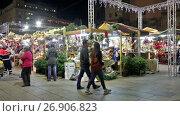Купить «BARCELONA, SPAIN - DECEMBER 1, 2015: Traditional Christmas fair near Cathedral in evening. Barcelona, Catalonia.», видеоролик № 26906823, снято 1 декабря 2015 г. (c) Яков Филимонов / Фотобанк Лори