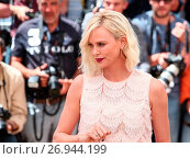Купить «Photo call for 'The Last Face' during the 69th Cannes Film Festival Featuring: Charlize Theron Where: Cannes, France When: 20 May 2016 Credit: WENN.com», фото № 26944199, снято 20 мая 2016 г. (c) age Fotostock / Фотобанк Лори