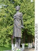Купить «Памятник Зое Космодемьянской в Петрищево», фото № 26970051, снято 20 июня 2015 г. (c) Free Wind / Фотобанк Лори