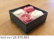 Купить «zephyr or marshmallow dessert in gift box», фото № 26970883, снято 8 мая 2017 г. (c) Syda Productions / Фотобанк Лори