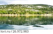 Купить «shore of Novigrad sea in Zadar County, Croatia», видеоролик № 26972983, снято 6 сентября 2017 г. (c) BestPhotoStudio / Фотобанк Лори
