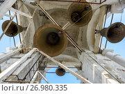 Купить «Колокола Преподобенской колокольни Ризоположенского женского монастыря. Город Суздаль, Золотое кольцо, Россия.», фото № 26980335, снято 19 августа 2017 г. (c) Bala-Kate / Фотобанк Лори