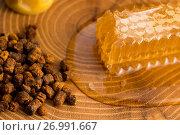 Купить «Honeycomb, pollen and propolis», фото № 26991667, снято 25 сентября 2016 г. (c) easy Fotostock / Фотобанк Лори