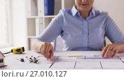 Купить «female architect with compass measuring blueprint», видеоролик № 27010127, снято 7 сентября 2017 г. (c) Syda Productions / Фотобанк Лори