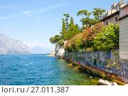 Купить «Озеро Гарда. Мальчезине. Италия», фото № 27011387, снято 5 сентября 2017 г. (c) Сергей Афанасьев / Фотобанк Лори