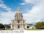 Купить «Собор Дома Инвалидов в солнечный день ранней осенью. Париж. Франция», фото № 27016479, снято 16 сентября 2017 г. (c) E. O. / Фотобанк Лори