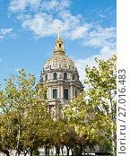 Купить «Купол собора Дома Инвалидов. Солнечный день ранней осенью. Париж. Франция», фото № 27016483, снято 16 сентября 2017 г. (c) E. O. / Фотобанк Лори