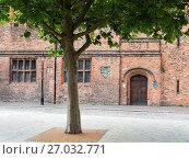 Купить «Hands on History Museum Formerly Hull Merchant Adventurers Hall in Trinity Square Hull Yorkshire England.», фото № 27032771, снято 1 августа 2017 г. (c) age Fotostock / Фотобанк Лори