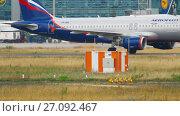 Купить «Airplane taxiing after landing.», видеоролик № 27092467, снято 17 июля 2017 г. (c) Игорь Жоров / Фотобанк Лори