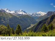 Купить «A mountain valley in swiss Alps, Valais», фото № 27103999, снято 4 июля 2017 г. (c) Юлия Кузнецова / Фотобанк Лори