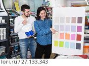 Купить «Couple deciding on best color scheme», фото № 27133343, снято 9 марта 2017 г. (c) Яков Филимонов / Фотобанк Лори
