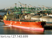 Купить «Mount McKinney oil tanker discharging at Los Angeles. protective boom around her just in case of oil spills.», фото № 27143699, снято 5 апреля 2005 г. (c) age Fotostock / Фотобанк Лори