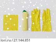 Купить «detergent with cleaning stuff on white background», фото № 27144851, снято 27 октября 2016 г. (c) Syda Productions / Фотобанк Лори