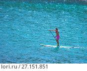 Купить «Серфинг с веслом», фото № 27151851, снято 6 марта 2016 г. (c) Галина Савина / Фотобанк Лори
