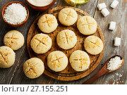 Купить «Печенье Нан Хати с кокосом. Вмд сверху», фото № 27155251, снято 23 октября 2017 г. (c) Надежда Мишкова / Фотобанк Лори