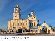 Купить «Собор Покрова Святой Богородицы вечером, Камышлов», фото № 27156371, снято 29 октября 2017 г. (c) NataMint / Фотобанк Лори