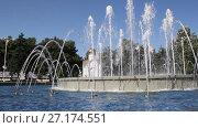 Купить «Музыкальный фонтан в Анапе, Краснодарский край», видеоролик № 27174551, снято 5 августа 2017 г. (c) Олег Хархан / Фотобанк Лори
