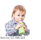 Купить «Toddler boy drinking», фото № 27186323, снято 13 января 2010 г. (c) Ольга Сапегина / Фотобанк Лори