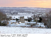 Купить «Cotswold village and landscape in snow at sunrise, Bourton-on-the-Hill, Cotswolds, Gloucestershire, England, United Kingdom, Europe», фото № 27191627, снято 13 января 2017 г. (c) age Fotostock / Фотобанк Лори