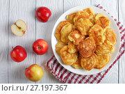 Купить «tasty Apple loaded Pancakes on plate», фото № 27197367, снято 23 октября 2017 г. (c) Oksana Zh / Фотобанк Лори