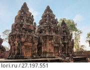Купить «Ancient Cambodian temple Banteay Srei (Pink Templ)», фото № 27197551, снято 18 февраля 2013 г. (c) Юлия Бабкина / Фотобанк Лори