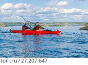 Купить «Туристский каяк ка Ладожском озере», фото № 27207647, снято 4 июня 2017 г. (c) Сергей Рыбин / Фотобанк Лори