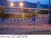 Купить «View of city highway in dusk with trace of blurred headlights», фото № 27207679, снято 20 июля 2017 г. (c) Яков Филимонов / Фотобанк Лори