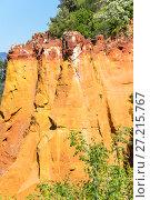 Купить «Colorado provencal in France», фото № 27215767, снято 27 апреля 2016 г. (c) Юлия Белоусова / Фотобанк Лори
