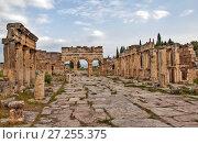 Купить «Иераполь — античный город. Иераполис, Турция.», фото № 27255375, снято 8 мая 2015 г. (c) Сергей Афанасьев / Фотобанк Лори