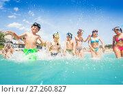 Купить «Many cute kids in sea splash fight», фото № 27260827, снято 20 июля 2017 г. (c) Сергей Новиков / Фотобанк Лори