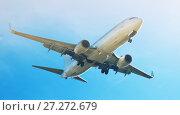 Купить «Passenger plane departing in afternoon», фото № 27272679, снято 21 октября 2018 г. (c) Яков Филимонов / Фотобанк Лори