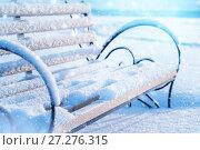 Купить «Скамейка в зимнем парке», фото № 27276315, снято 19 ноября 2017 г. (c) Икан Леонид / Фотобанк Лори