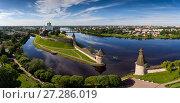 Купить «Aerial panorama of Pskov Kremlin», фото № 27286019, снято 17 июля 2017 г. (c) Михаил Коханчиков / Фотобанк Лори