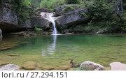 Купить «El Torrent de la Cabana small mountain stream with crystal clear water», видеоролик № 27294151, снято 16 мая 2017 г. (c) Яков Филимонов / Фотобанк Лори