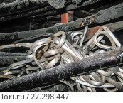 Последствия взрыва высоковольтного кабеля в кабельном канале. Стоковое фото, фотограф Геннадий Соловьев / Фотобанк Лори